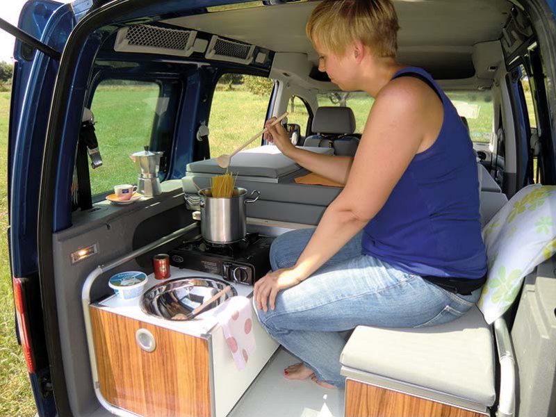 camping box une solution dans l 39 air du temps fourgon van. Black Bedroom Furniture Sets. Home Design Ideas