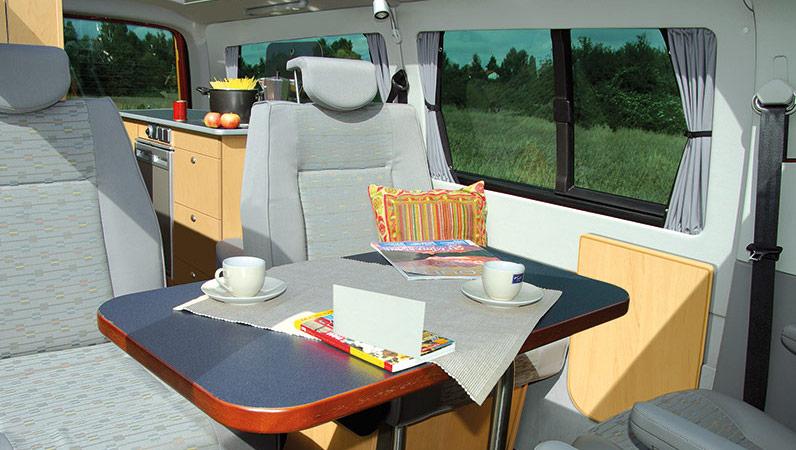 reimo multistyle un tonnant 4 places tout confort fourgon van. Black Bedroom Furniture Sets. Home Design Ideas