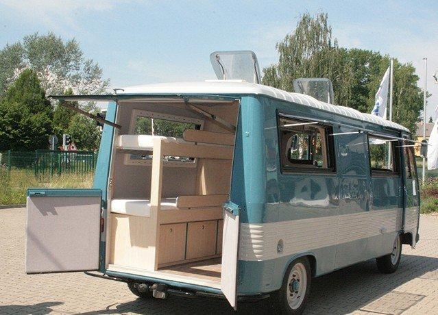 reisemobil manufaktur le sur mesure venu d 39 allemagne fourgon van. Black Bedroom Furniture Sets. Home Design Ideas