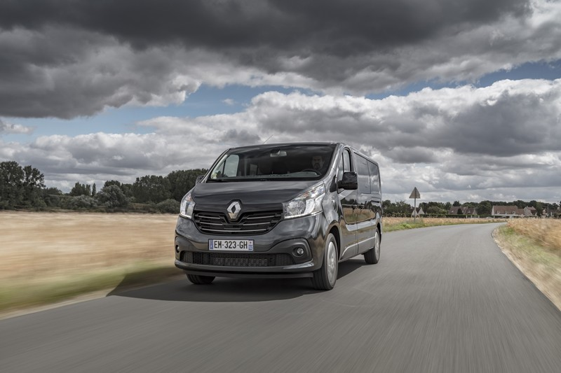 renault trafic spaceclass navette premium et ultra modulable fourgon van. Black Bedroom Furniture Sets. Home Design Ideas