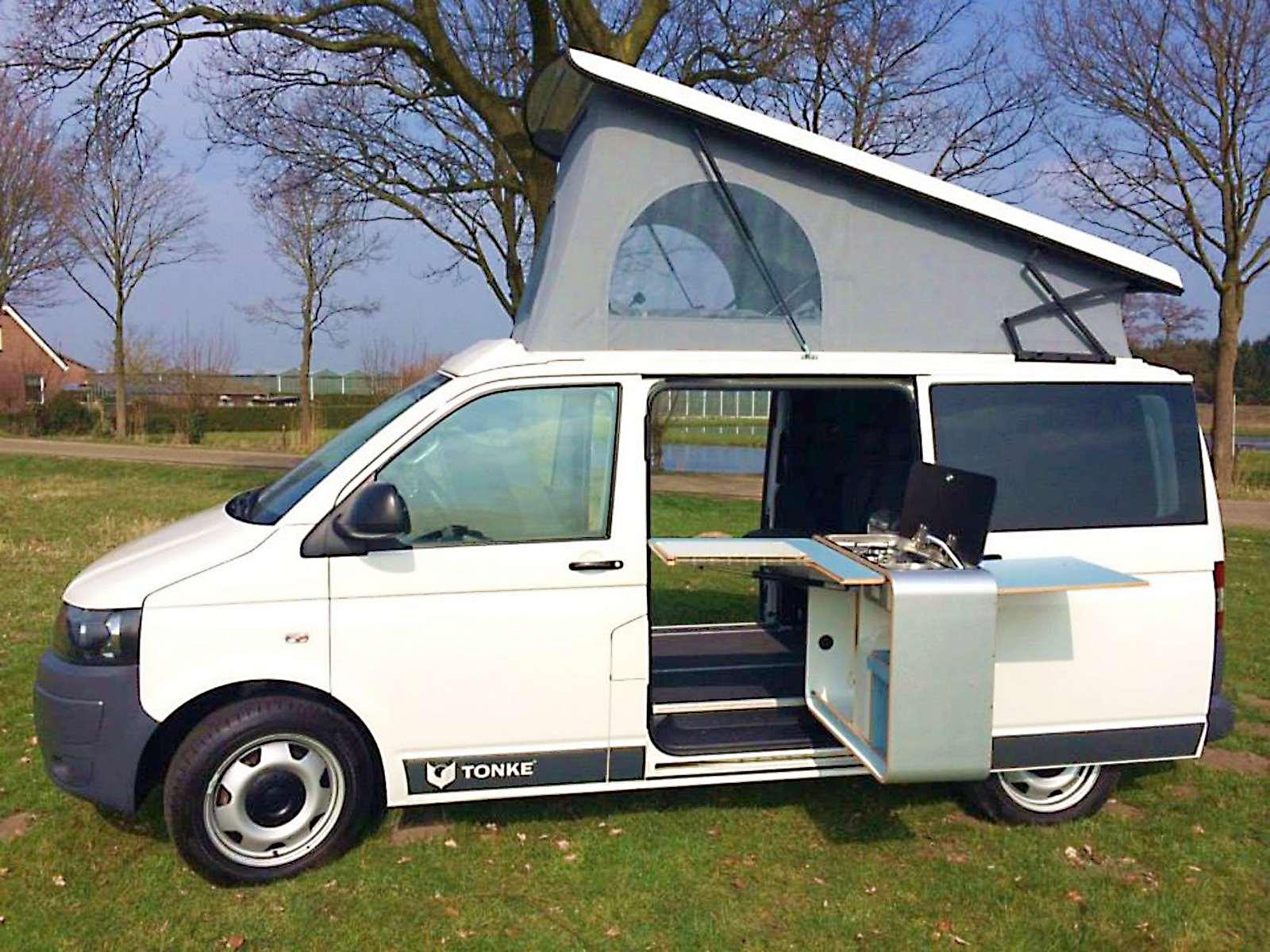 cuisiner dehors les meubles cuisine prennent le large fourgon van. Black Bedroom Furniture Sets. Home Design Ideas