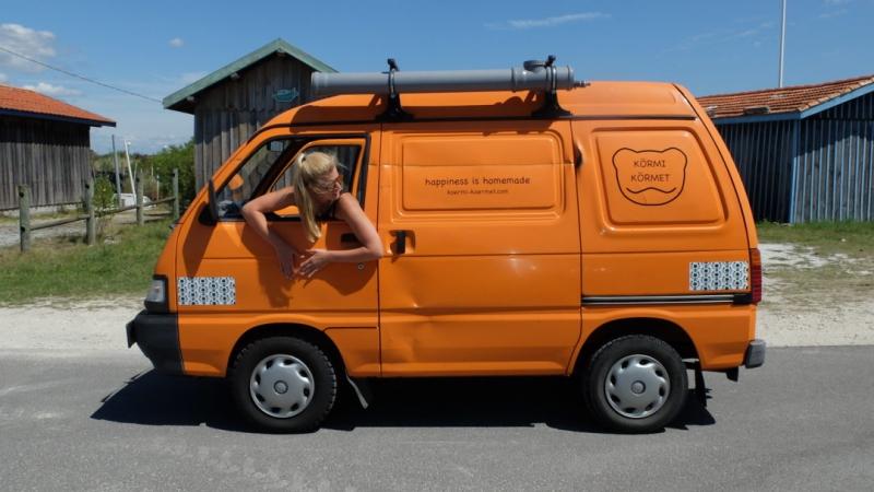 un mini van piaggio malin et conomique fourgon van. Black Bedroom Furniture Sets. Home Design Ideas