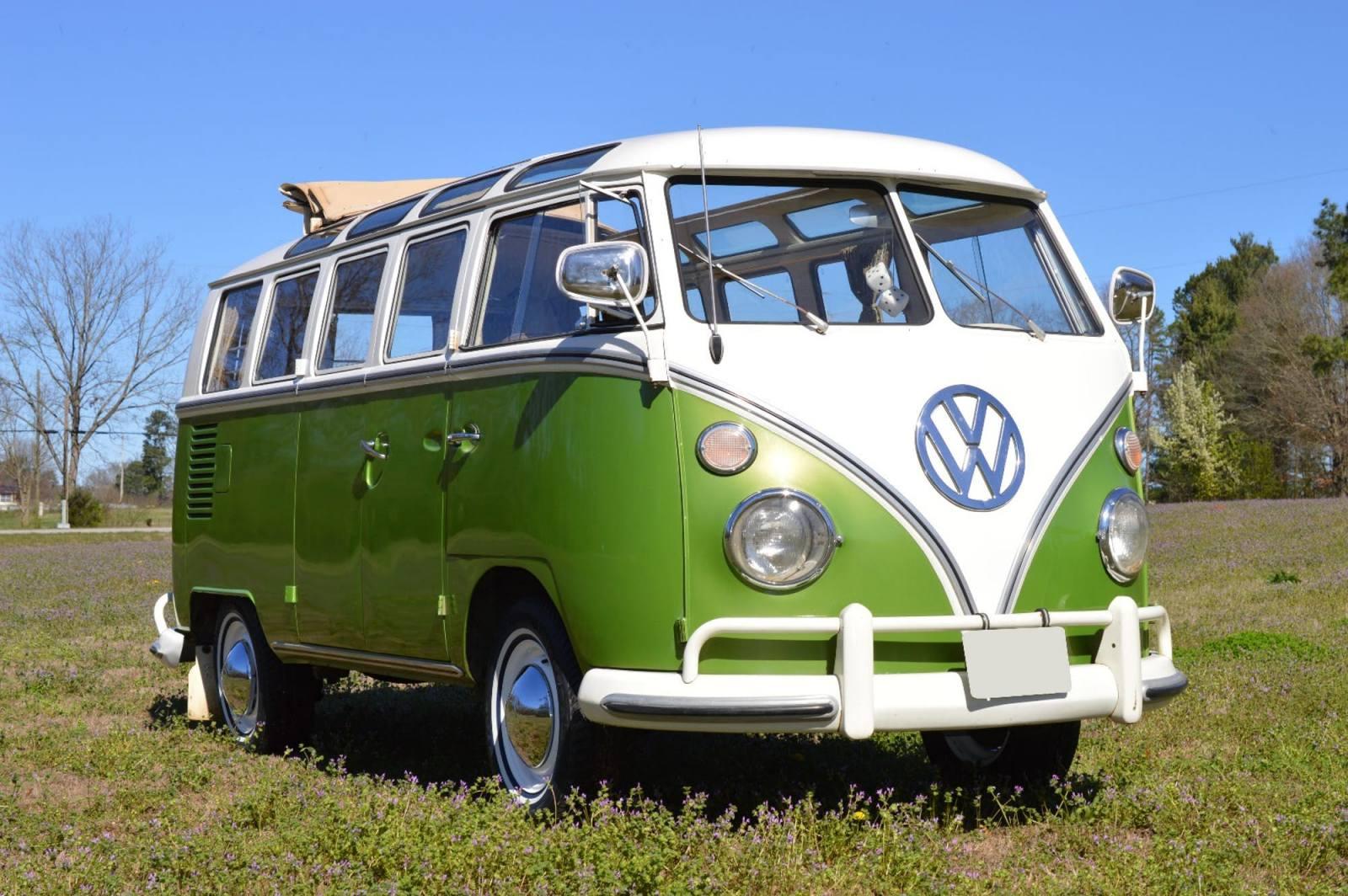 Le Samba Bus 21 fenêtres de la série « That '70s Show » battra-t-il le record de vente aux enchères de janvier 2017 : 302.500 $ (280.000 €)